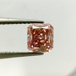 1-07ct-fancy-intense-orangish-pink